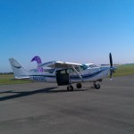 Cessna206 Soloy bei strahlendem Sonnenschein in Gera