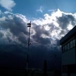 Wolkenbildung über dem Flugplatz Gera Leumnitz in Thüringen